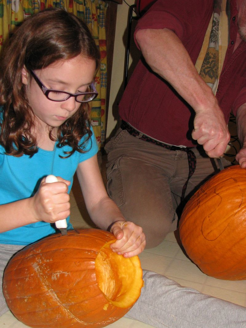 Solo pumpkin  cutting